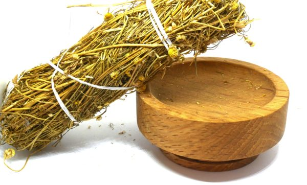 Whole Chamomile Root from the Natural Spot
